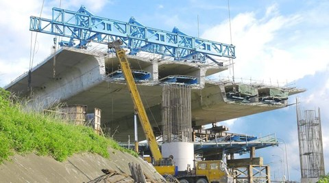 A problem that civil engineers currently face is corrosion of the steel reinforcements commonly found in aging infrastructure. Recent...
