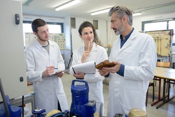 Global Educational Training Opportunities and Job Prospects in the Corrosion Field