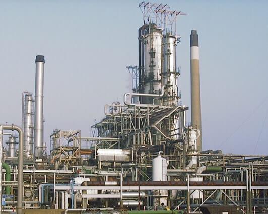 Figure 1. A refinery crude oil distiller unit.